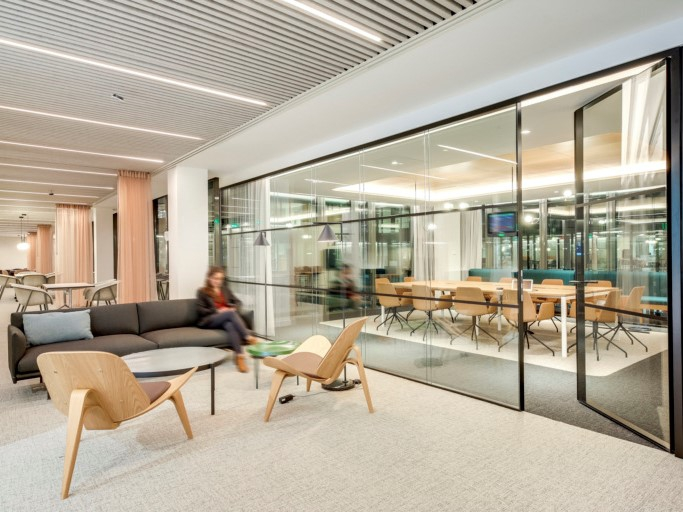 Spacestor Workspace Of The Week Estee Lauder Offices Paris
